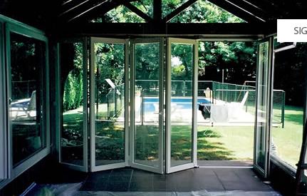 Aberturas de aluminio puertas de aluminio ventanas for Puertas que abren hacia afuera