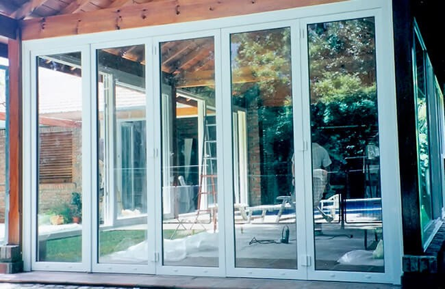 Residencias condominios aberturas puertas ventanas for Aberturas pvc precios